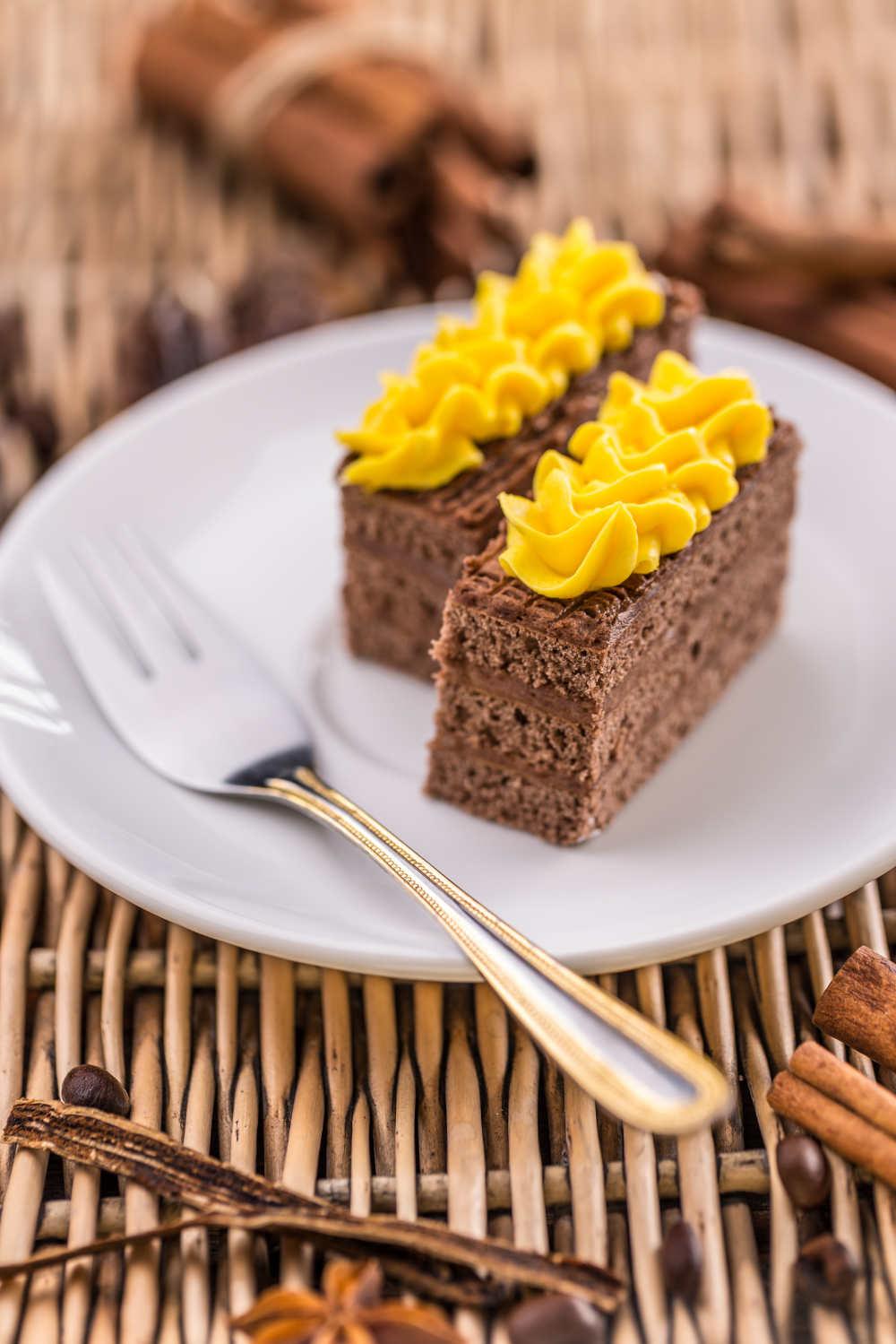 cakes-PLXJADX.jpg